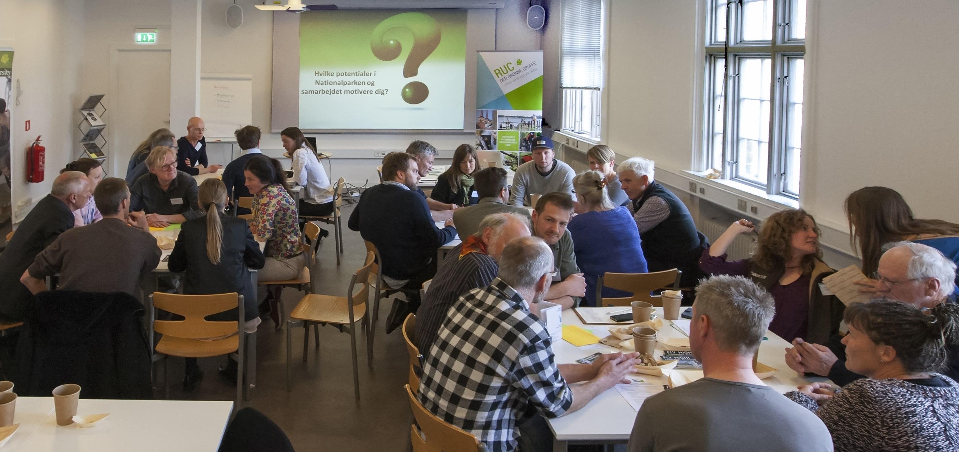 Den Grønne Gruppe har fokus på bæredygtig turisme. De samarbejder med lokale turismeerhverv for at tiltrække flere naturentusiater og promovere den bæredygtige profil