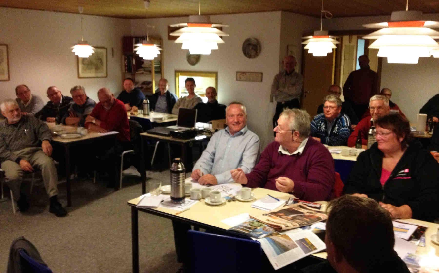 Der var fyldt godt op med mennesker og godt humør i Kalundborg Sportsfiskerforenings fine klublokaler, da medlemskab i Fishing Zealand skulle diskuteres.