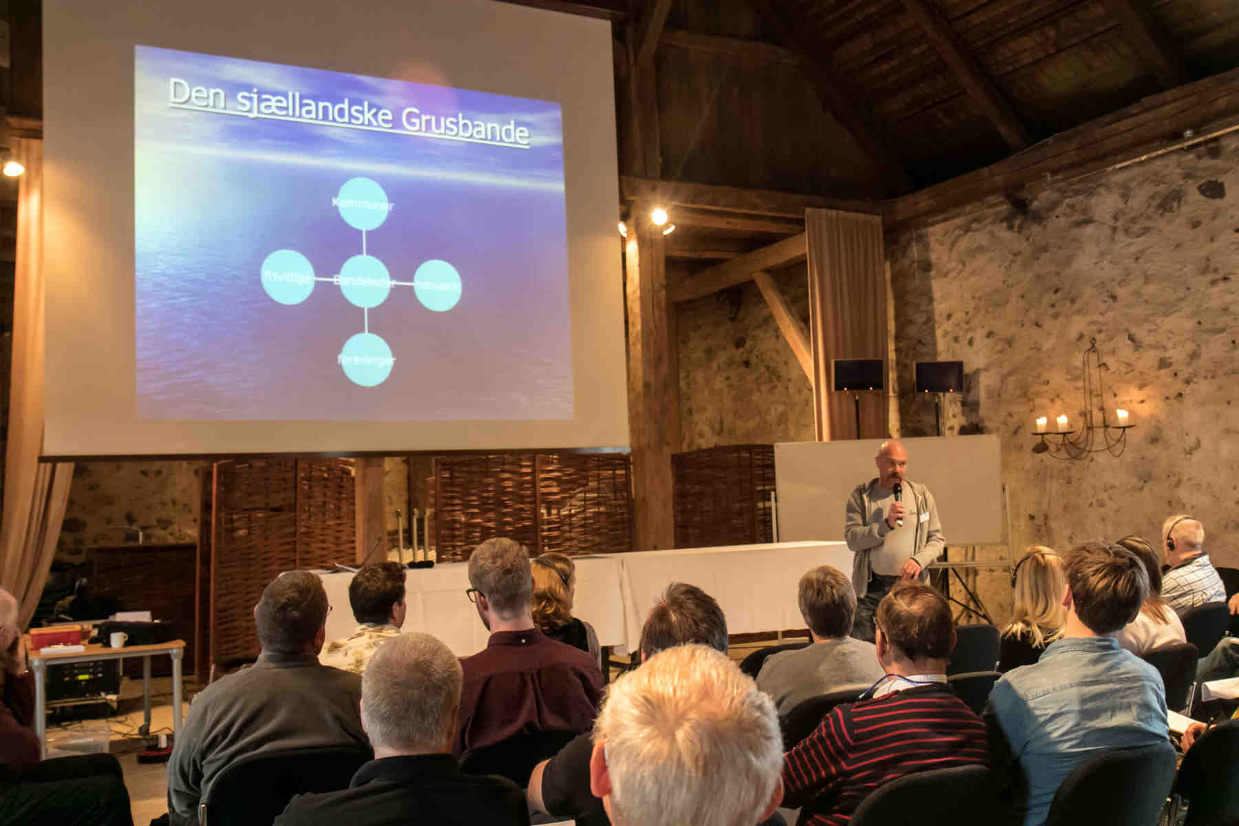 Rune Hylby høstede store bifald for sit oplæg om Den Sjællandske Grusbande, som allerede efter et år har stået bag og assisteret under 40 vandløbsrestaureringsprojekter.