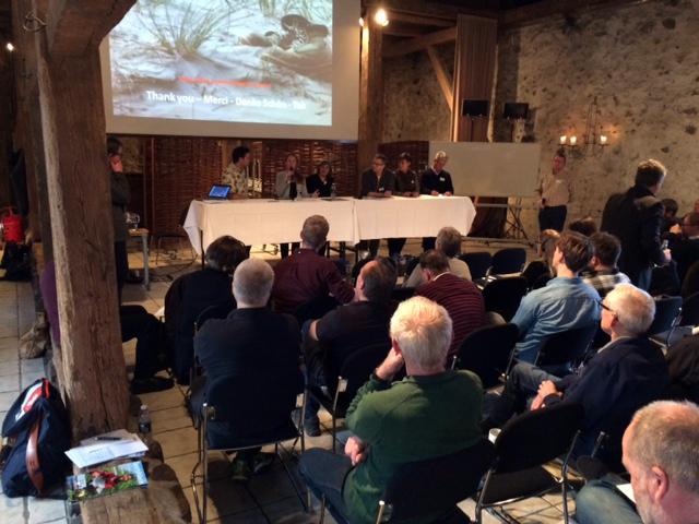 Paneldebatten handlede om naturbeskyttelse of benyttelse samt fordele og ulemper ved forskellige tilgange.